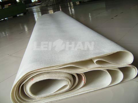 living-paper-making-machine-felt-cleaning